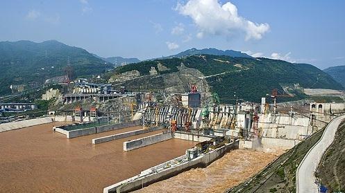 向家坝水电站10月16日成功实现初期蓄水目标——各减压阀运行情况正常